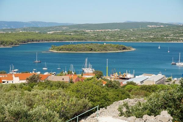 Ausblick zur kleinen Klosterinsel Kosljun