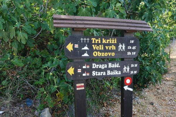 Hier heißt der Obzova wieder einmal Obzovo. Wir peilen die Überschreitung bis Stara Baska an.