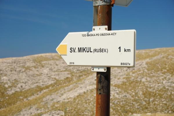 Waren wir hier bei Sv. Nikola, wie in der Wanderkarte angeführt oder bei Sv. Mikul, wie auf dem Wegweiser bezeichnet?