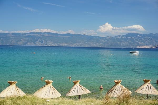 Zurück in Baska, den für uns schönsten Ort auf der Insel Krk. Den überfüllten Strand muss ja man nicht unbedingt besuchen.