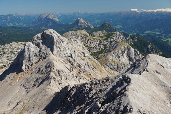 Blick auf die Hausberge im Hintergrund: Grimming - Kammspitz - Stoderzinken