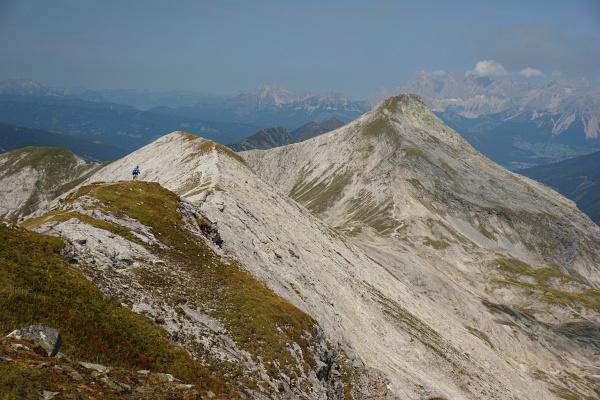 Ausblick von der Lungauer auf die Steirische Kalkspitze, als die Wolken allmählich aufreissen