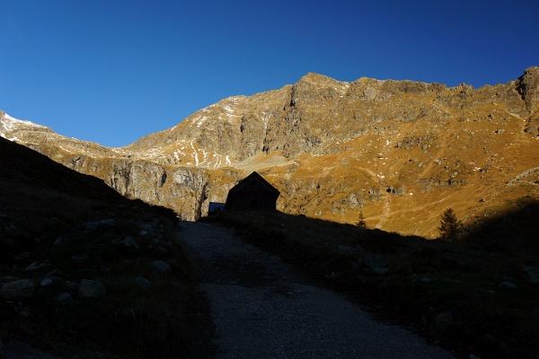 Aufstiegsgelände links am Kruckeck vorbei in die gleichnamige Scharte