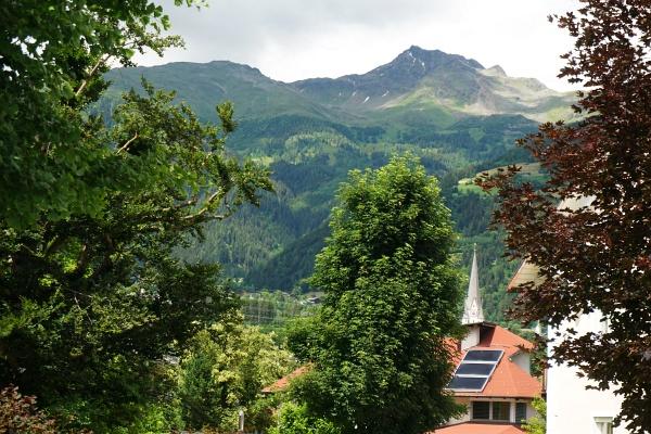 Mehr als 2.200 Höhenmeter erhebt sich die Schleinitz im Norden über Lienz