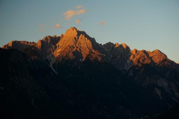 Der Blick auf den frühmorgendlich bestrahlten Spitzkofel versprach bestes Wanderwetter