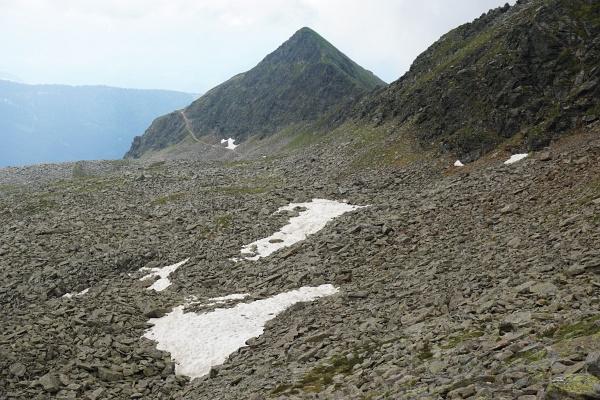 Die Goisele-Gipfelpyramide läßt sich links und rechts umgehen.