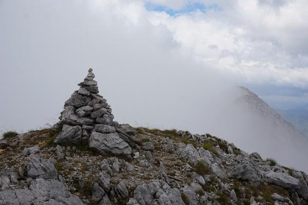 Blick vom Nordost-Gipfel zum Lugauer-Hauptgipfel (rechts hinten)