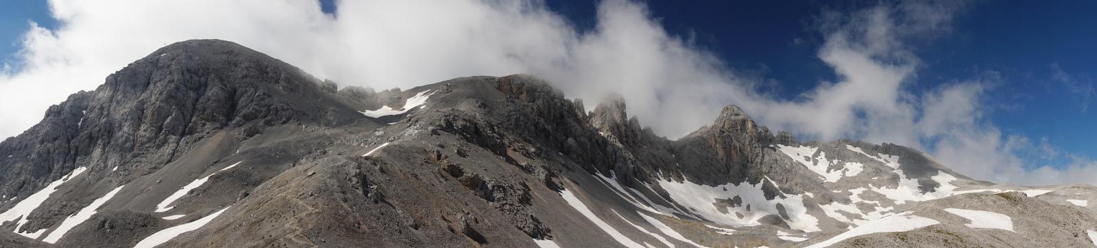 Der Höhenzug von der Scheichenspitze zur Edelgrießhöhe, über den der Ramsauer Klettersteig verläuft.
