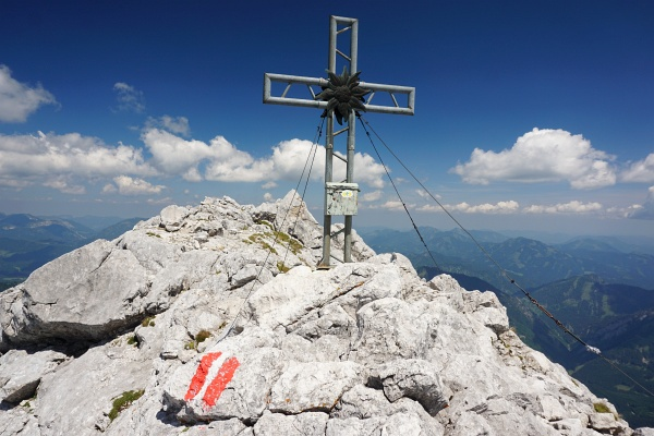 Beim Gipfelkreuz am Hexenturm