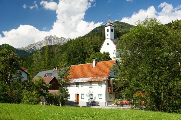 Start nahe der Kirche in Hall (Bild stammt von der Rückkehr am Nachmittag). Im Hintergrund der Hexenturm.