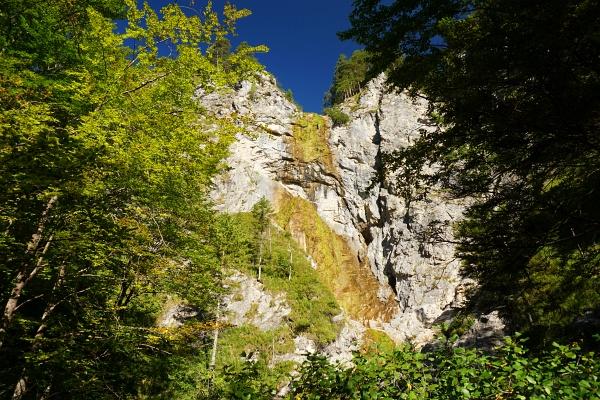 In den Ötschergräben - von schroffen Felswänden umgeben.