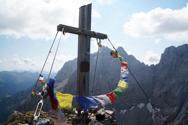 Beim Gipfelkreuz am Rauchkofel