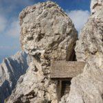 Die Babenstuberhütte schmiegt sich in eine Felsnische.