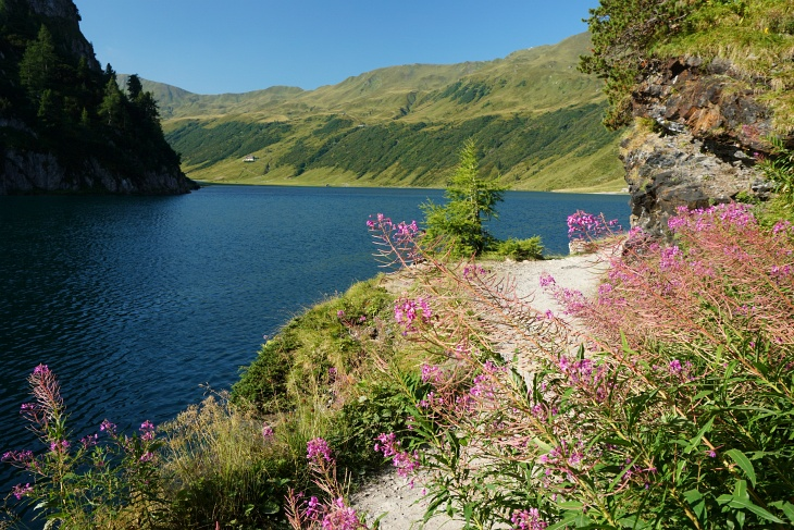 Unser heutiges Hauptziel: Der Tappenkarsee (links hinten erkennt man die Tappenkarseehütte).