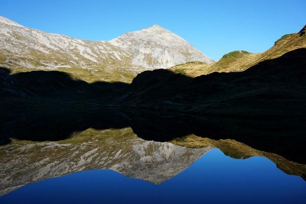 Erste Fotopause beim Giglachsee mit der Spiegelung der Steirischen Kalkspitze.