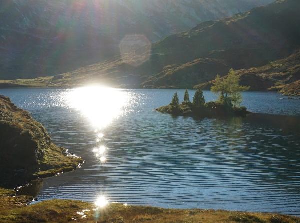 Sonnenspiegelung im Giglachsee