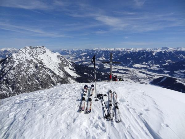 Heute waren einige Skitourengeher am Stoderzinken unterwegs.