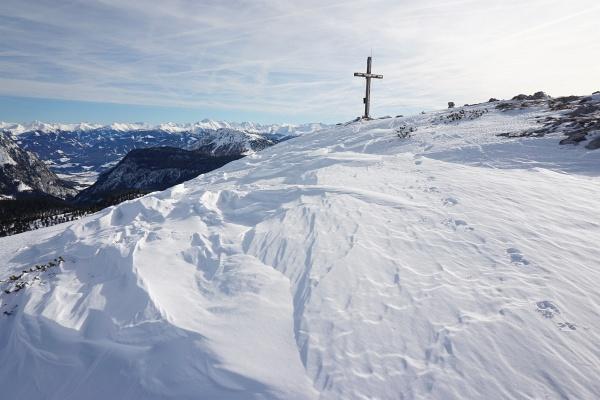 Heute über die Ostseite zum Gipfelkreuz am Hirzberg