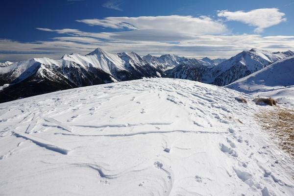 Am Gipfel des Dromeisspitz. Links hinten der Große Knallstein.