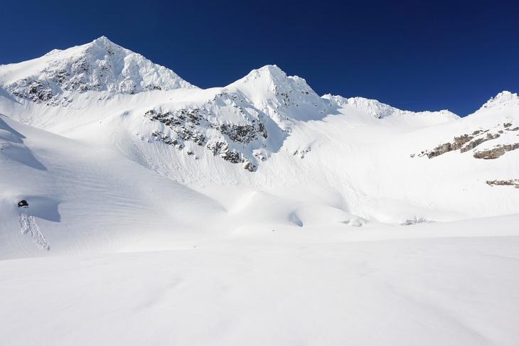 Auf der rechten Bildseite: Der Abfahrthang zum Gletschertor
