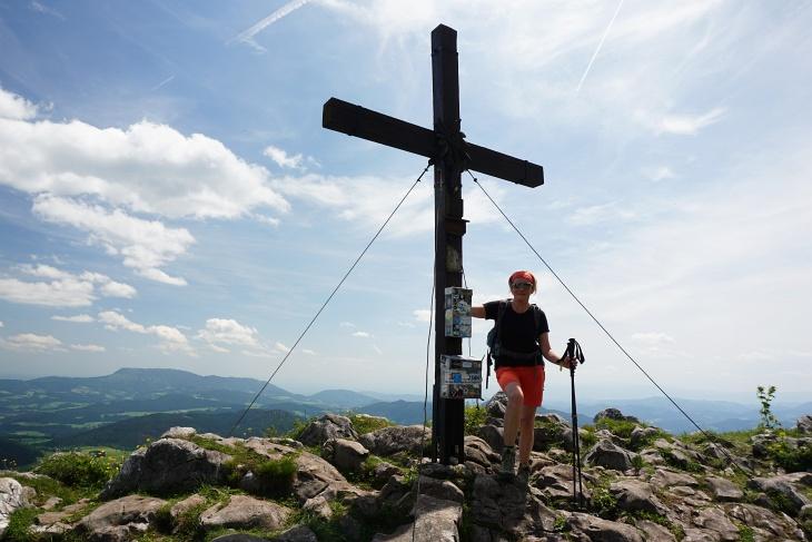 Beim Gipfelkreuz auf der Roten Wand