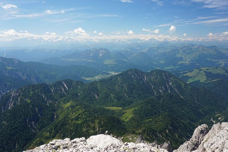 """Tauernblick. Im Tal im Süden """"donnert"""" es fast pausenlos."""