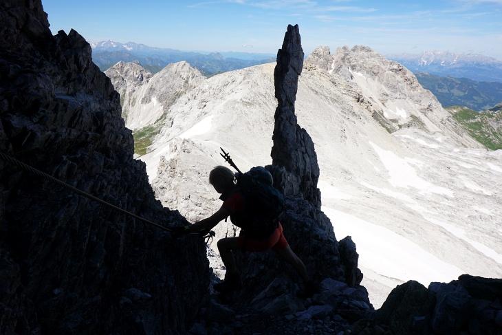 Manche Felsnadeln sehen so porös aus, dass man Angst hat, sie könnten abbrechen.