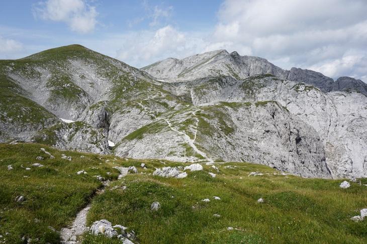 Unser letzter Gipfel heute. Der Hutkogel (links).