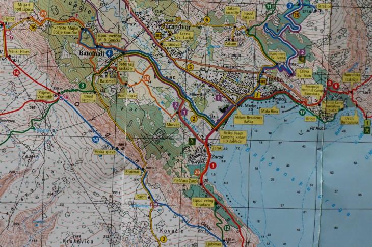 """Ausschnitt aus der tollen, nach 4 Wanderungen etwas mitgenommenen, aktuellen Outdoorkarte """"Baska, Punat, Stara Baska"""""""