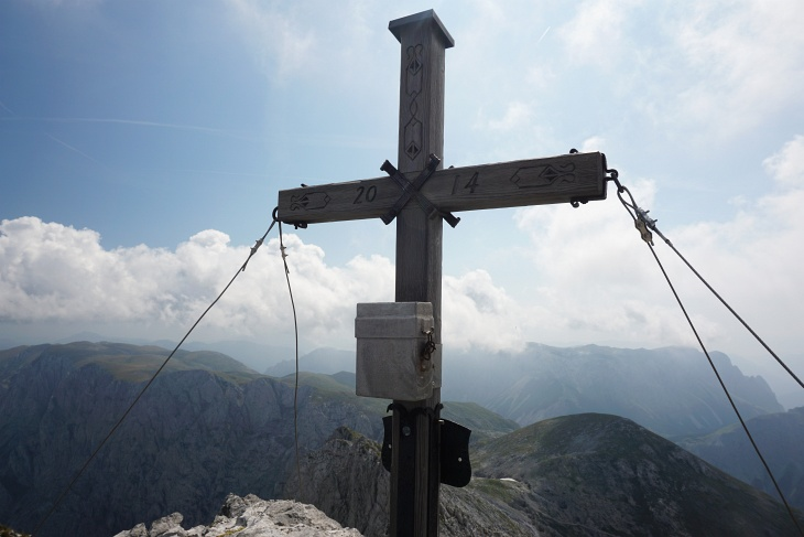 Insgesamt 9 weitere Gipfelkreuz-Besucher zähle ich vor, mit und nach mir am Ringkamp. Die meiste Zeit bin ich aber alleine.