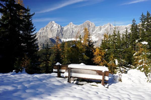 Oberhalb von etwa 1.500 Meter Höhe erwartet uns bereits eine Schneehöhe von ca. 10 cm.