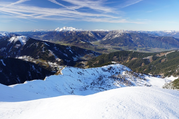 Die traditionelle Dezember-Schneeschuhtour auf das Gumpeneck: Im Gröbmingerland ist es wieder grün geworden.