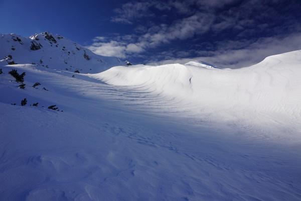 Weiter oben im Kar macht sich Wind bemerkbar.