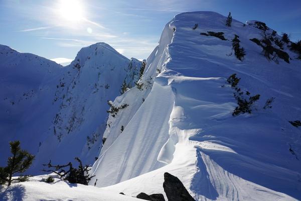 Auch heute begnüge ich mich mit dem Wintergipfel der Wolfnalmspitze - am überwechteten Grat waren aber auch Aufstiegsspuren erkennbar.
