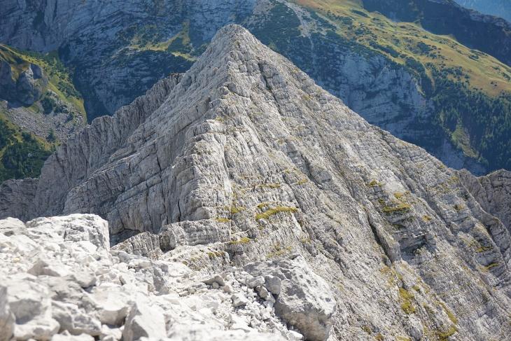 Abstieg über den Josefinensteig (in Bildmitte staut es sich gerade wieder einmal).