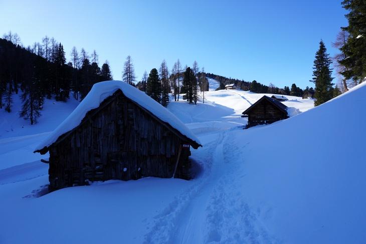 Im Bereich der Stoderalm haben wir die rutschigen Steilstufen und den Frost endlich hinter uns gelassen.