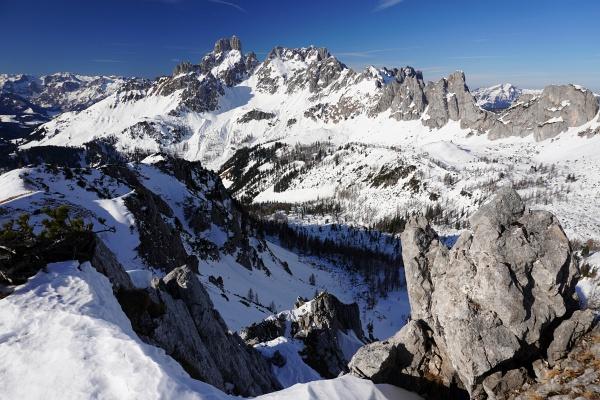 Ausblick vom Gipfelkreuz auf der Sulzenschneid/Eiskarlschneid zur Bischofsmütze