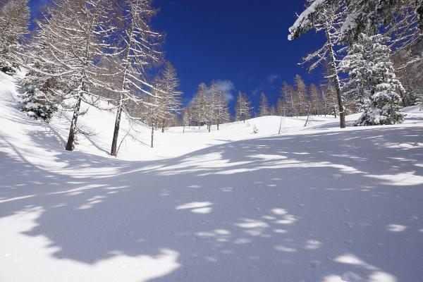Kurzes Innehalten in der herrlichen, einsamen, unverspurten Winterlandschaft unweit der Rieshöhe.