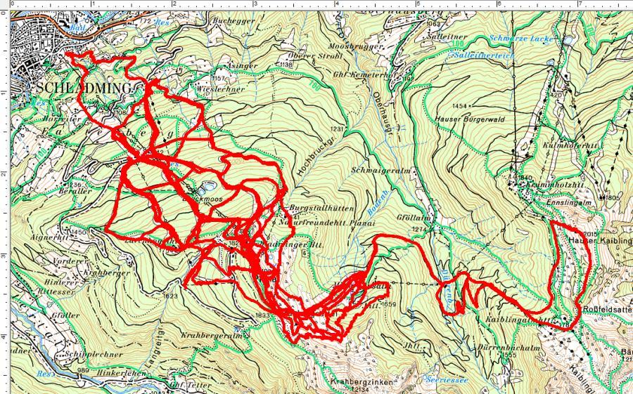 Kreuz und quer über alle Pisten ziehen sich unsere Spaziergänge auf der Planai. Einmal sogar bis hinüber zum Hauser Kaibling. (6 Touren - 9.170 Höhenmeter, 106 Kilometer)
