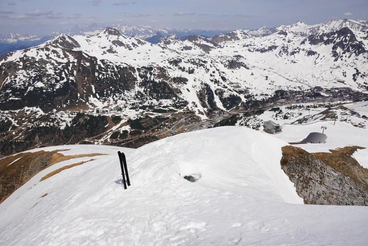 Tiefblick vom Gamsspitzl über dem Zehnerkar nach Obertauern