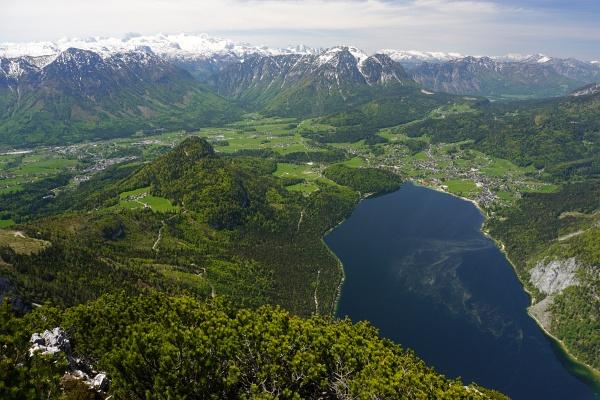 Abstieg am Normalweg - hier liegt der Altausseer See im Blickfeld.